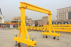 Portable_gantry_crane_